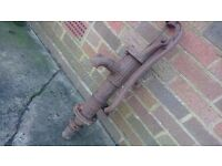 ANTIQUE HEAVY CAST IRON BRITISH MADE HAND WELL WATER STAND PIPE GARDEN DECOR RUSTIC HOME PROP FAB