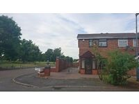 FULLY REDECORATED 2 BED SEMI DETACHED HOUSE TO LET IN WINSTON GREEN