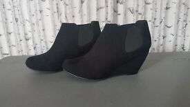 Black Wedge heeled shoes - Size 3