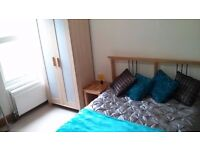 Fantastic Double Room with Grads