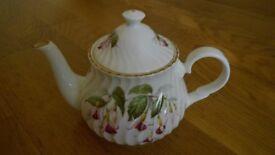 Crown Windsor Fine Bone China Teapot Pretty Fuchsia Floral Design Gold Trim