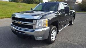 2009 Chevrolet SILVERADO 2500HD LTZ|Diesel|One Owner|DVD|Satelli