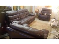 Lovely burgundy brown three piece leather suite SALE £225 CHEAP local DELIVERY Stalybridge SK15 3DN