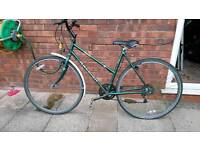 Raleigh pioneer classic women's bike. For parts or fixing