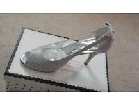 Exquisite Lady's Shoes Size 39: