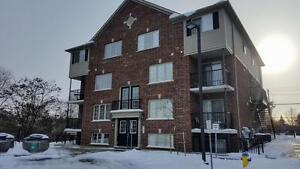 NEW PRICE! 3 BED APARTMENT UNIT | 950 Highland Rd W |