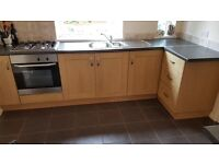 kitchen inc gas hob/fan oven/sink/extractor