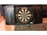 Winmau Dartboard & Cabinet (inc. all fittings)