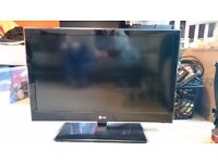 LG 3D 32inch TV for sale.