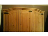 3 door wardrobe, antique pine Puerto Rico