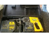 Dewalt drill with Charger and 1 battery