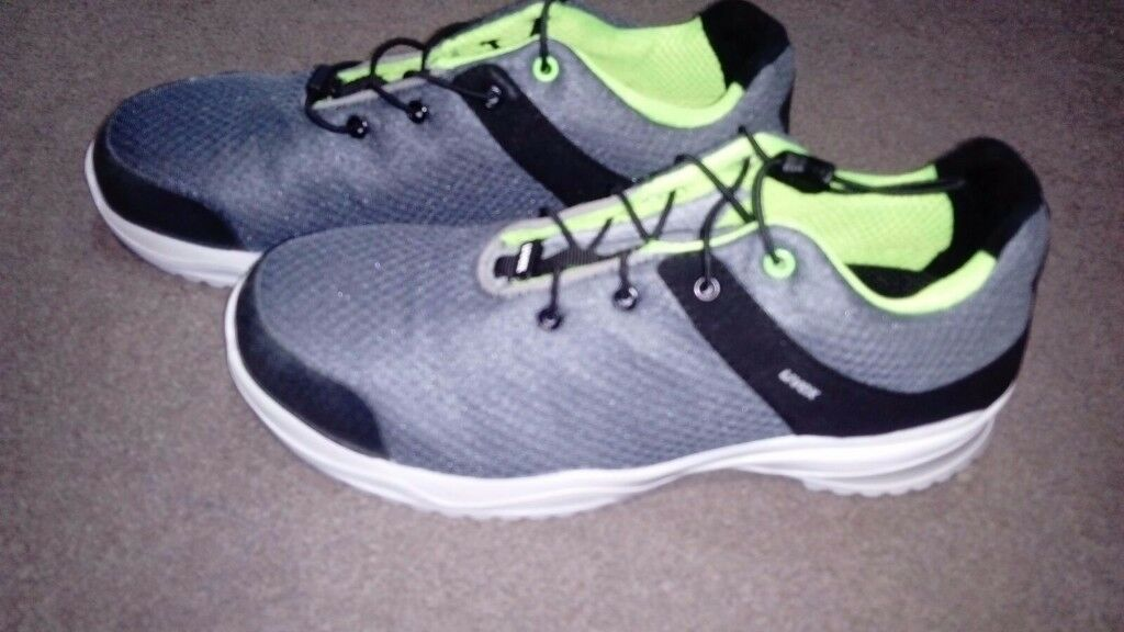 Safety Shoes - Size 13