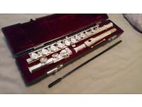 Second hand flute comes in the original red velvet box