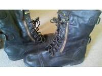 Women's brown boots, size 8