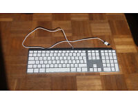 Apple Wired 2nd Generation A1243 Keyboard with Numeric Keypad - English (UK)