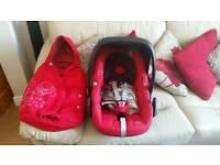 Maxi cosi pebble car seat, raincover and matching footmuff