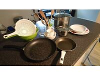 Kitchenware and beddig/towels for sale!