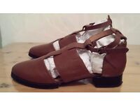 TOPSHOP Brown Cut Out Detail Ankle Fastening Leather Shoes UK Size 8 Eur 41