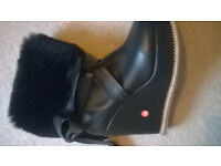 LADYS PAIR OF BLACK FAX FUR LEATHER BOOTS SIZE 3 ONLY!