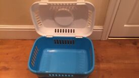 Rabbit/guinea pig carrier case