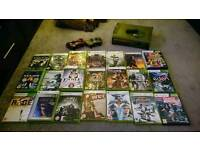 Xbox 360 Halo Special Edition + 2 controllers + 30 games + Kinect + accessories
