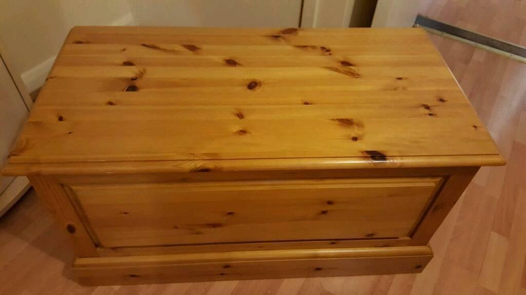 Solid pine ottoman storage box / chest trunk - Solid Pine Ottoman Storage Box / Chest Trunk In Braintree, Essex