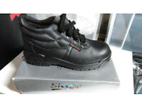 SAFETY SHOES / MENS STEEL TOE CAP LEATHER UK SIZE 8