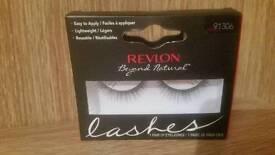 Revlon Beyond Natural Lashes