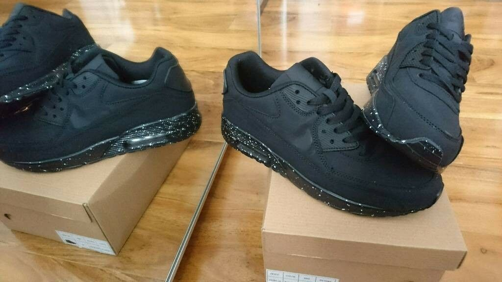Brand new Nike air max 90 triple black trainers Boxed Mens Womens size  7 c273a4a460