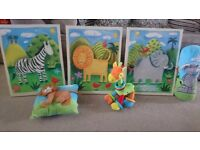 Jungle pictures and cushions