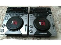 Pioneer CDJ 400 (pair) Great condition