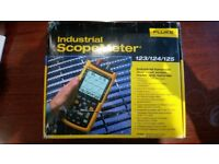 Fluke Industrial ScopeMeter 125 with accessories