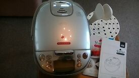 Electric cooking appliance/slow cooker, digitally programmable with instructions and recipes, as new
