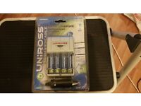 Uniross Smart Battery Charger for 2 or 4 AA/AAA Recharchable Batteries