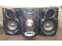 1 Year old HI-FI SYSTEM. CHEAP FOR QUICK SALE.. £65 1 year old BRILLIANT SOUND