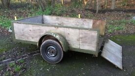 URGENT SALE........8ft x 5ft box trailer........URGENT SALE