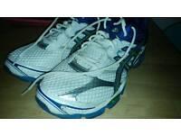 Asics cumulus 16 running shoes size 10