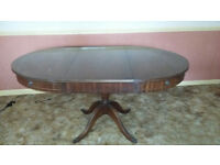 Antique styled circular dinning table
