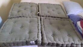 Seat cushion pads