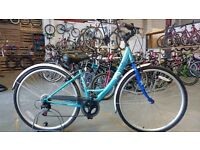 LADIES APOLLO METIS HYBRID BIKE 700C WHEELS 6 SPEED BLUE VERY GOOD CONDITION