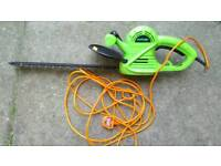 Hedge trimmer challenge in good working order!can you see it works!Can deliver or post!