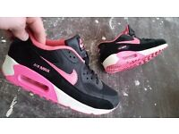 Size 6 Nike Airmax 90's pink, black and white
