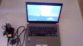 TOSHIBA ULTRA LIGHTWEIGHT PORTEGE Z30 i5 8GB 256GB SSD BACKLIT KEYBOARD WINDOWS 10 PRO LAPTOP