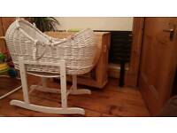 Noah pod Moses basket and stand