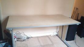 Full size desk ideal for home/office use