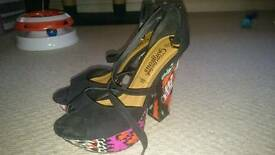 Platform shoes size 5