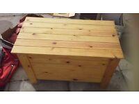 Wooden Slatted Toybox Storage Blanket Linen Toy Box Kids