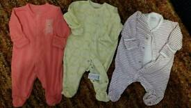 Mamas & papas baby grows and vests bundle size up to one month