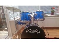 Full size 7 piece drum kit. Electric blue. Excellent condition. No damage. Age 10+