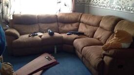 Large corner recliner and recliner single chair